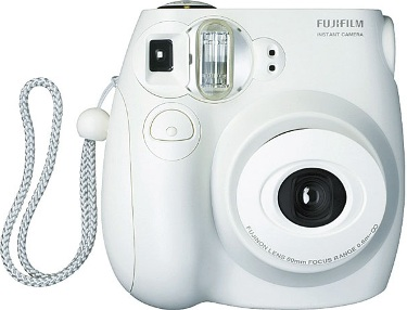 I Never Grew Up » Mini Polaroid Camera by FujiFilm GIVEAWAY